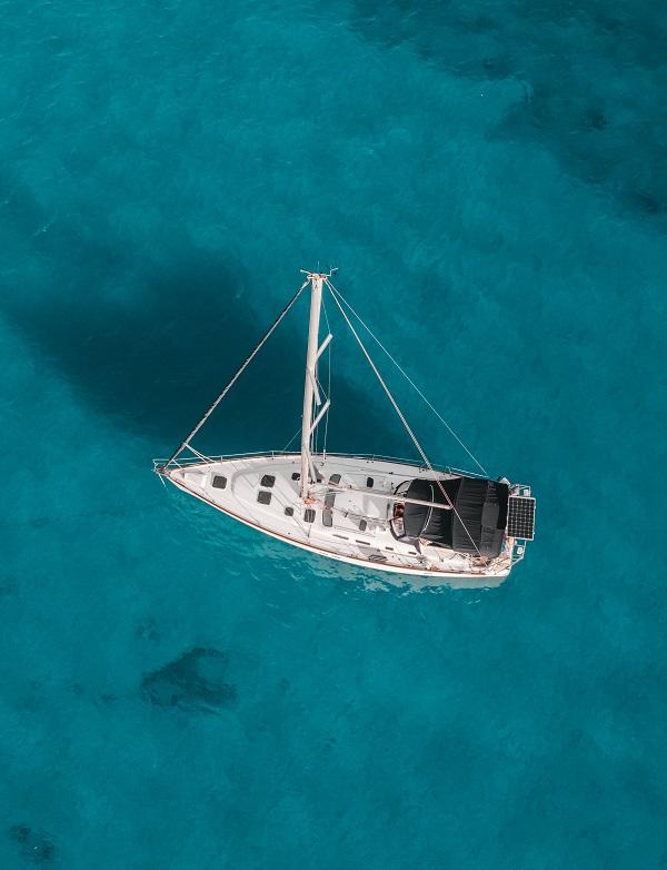 Malta-Charters-Sailing-On-Anchor