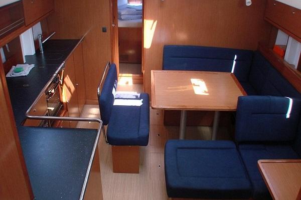 Bavaria-CR45-Moonmist-Medsail-Malta-Yachts-Charters-Interior.jpg
