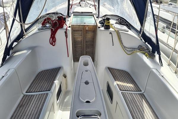 Beneteau-Oceanis-43.4-Moonspirit-Medsail-Malta-Yacht-Charters-Cockpit.jpg