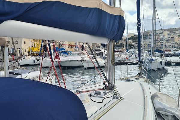 Beneteau-Oceanis-43.4-Moonspirit-Medsail-Malta-Yacht-Charters-Kalkara-Marina.jpg