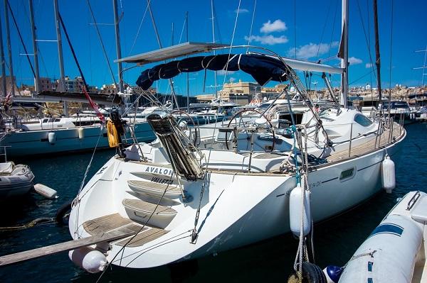 Jeanneau-54DS-Avalon-Medsail-Malta-Stern-View.jpg