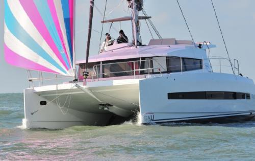 Bali 4.1 - under sail